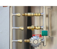 accessible key components on cryogenic storage system