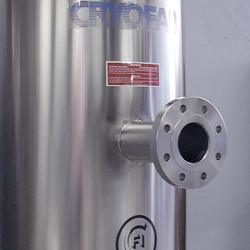 optional side inlet/outlet for cryo container