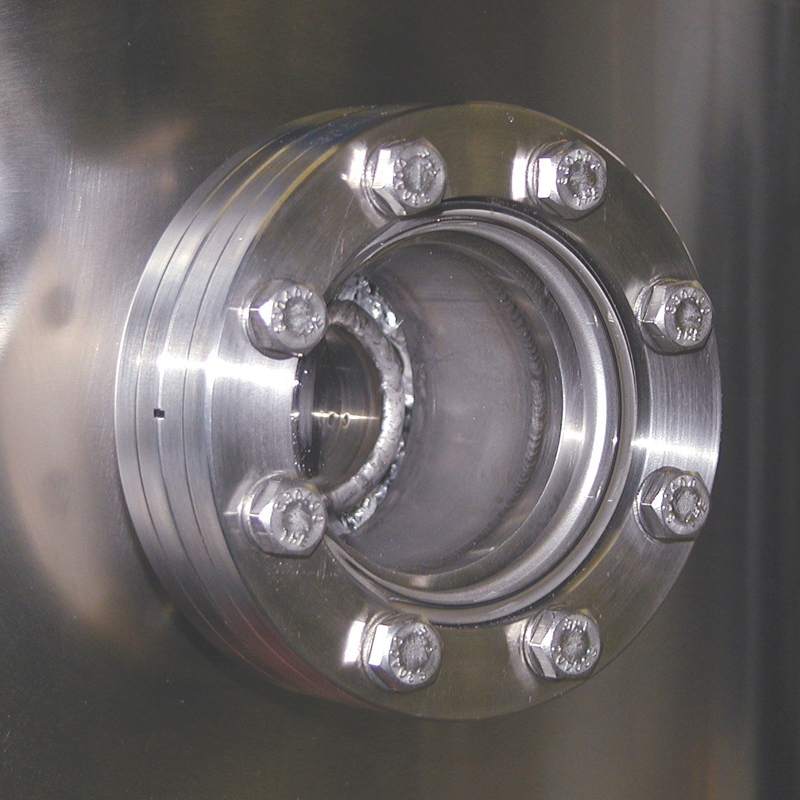 optional side view port for cryogenic vessel