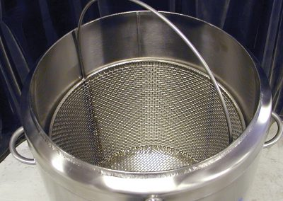 optional dipping bucket for cryo dewar