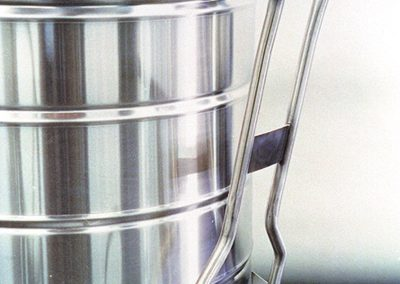 pull handle for cryogenic containers