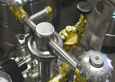 removable manifold option for cryogenic tank
