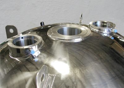 multiple neck option for liquid helium dewar